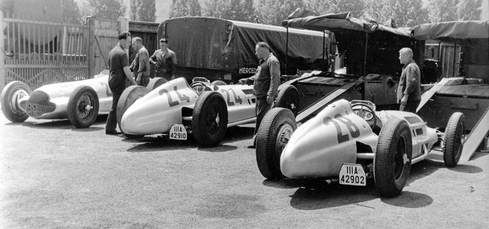 "W 154 ""Silver Arrows"" on board: Mercedes-Benz racing transporters in the 1930s."