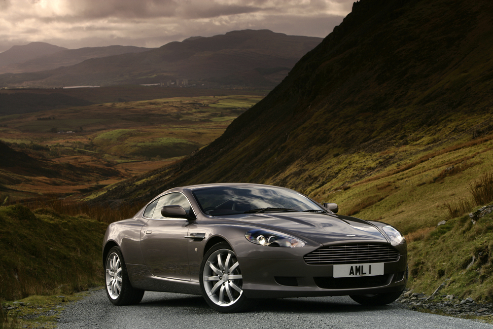 DB9_COUPE_02_HR