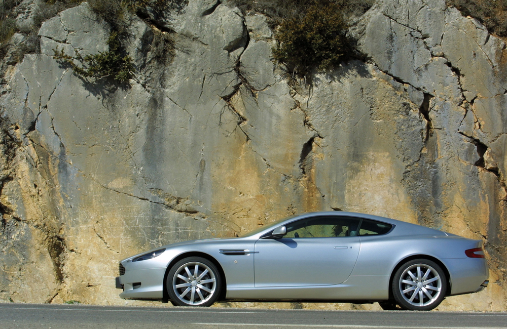 DB9_COUPE_07_HR